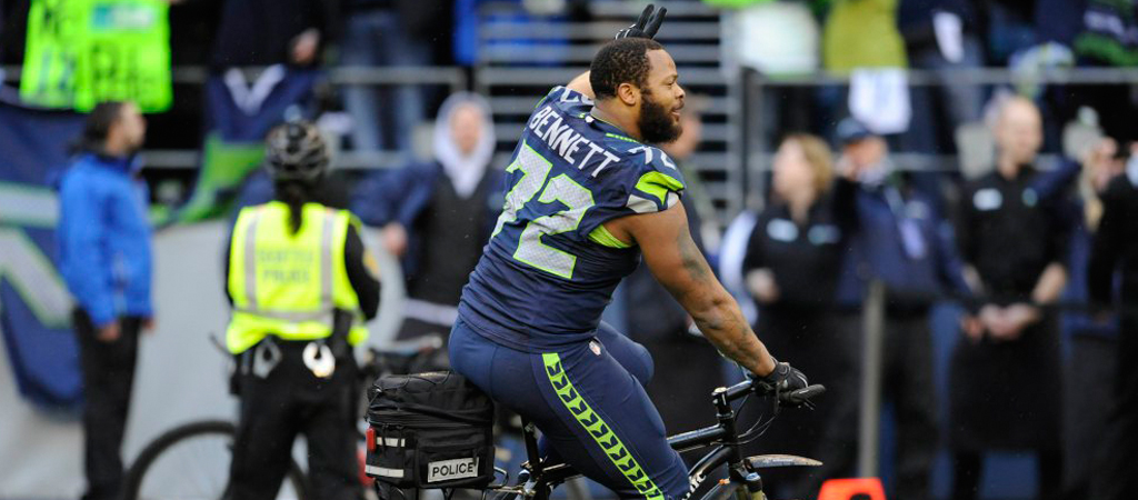 LOL michael bennett bike riding