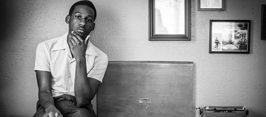 leon bridges post